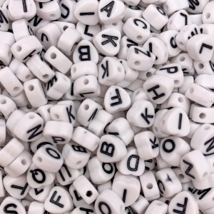 Letterkralen acryl wit hartjes, set ca 500 stuks