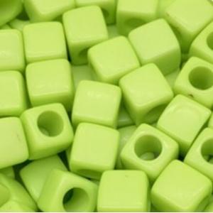 Acryl kralen vierkant spring green, per 5 stuks