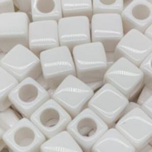 Acryl kralen vierkant white, per 5 pieces