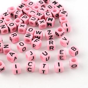 Letterkralen acryl vierkant roze, set 500 stuks