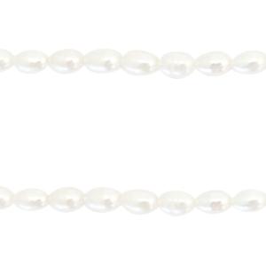 Volle string zoetwaterparels 4-5mm, ca 26 stuks