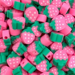 Polymeer kralen aardbei, per 5 stuks