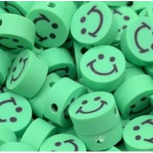 Polymeer kralen smiley light green, 5 stuks